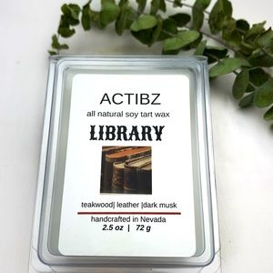 LIBRARY    Soy Scented Candle   Wax melt  .